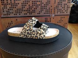 Fotriktig sandal, brun/multi-mönstrad
