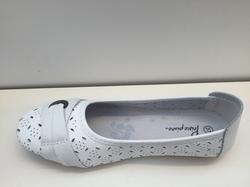 Ballerina-sko i vitt skinn